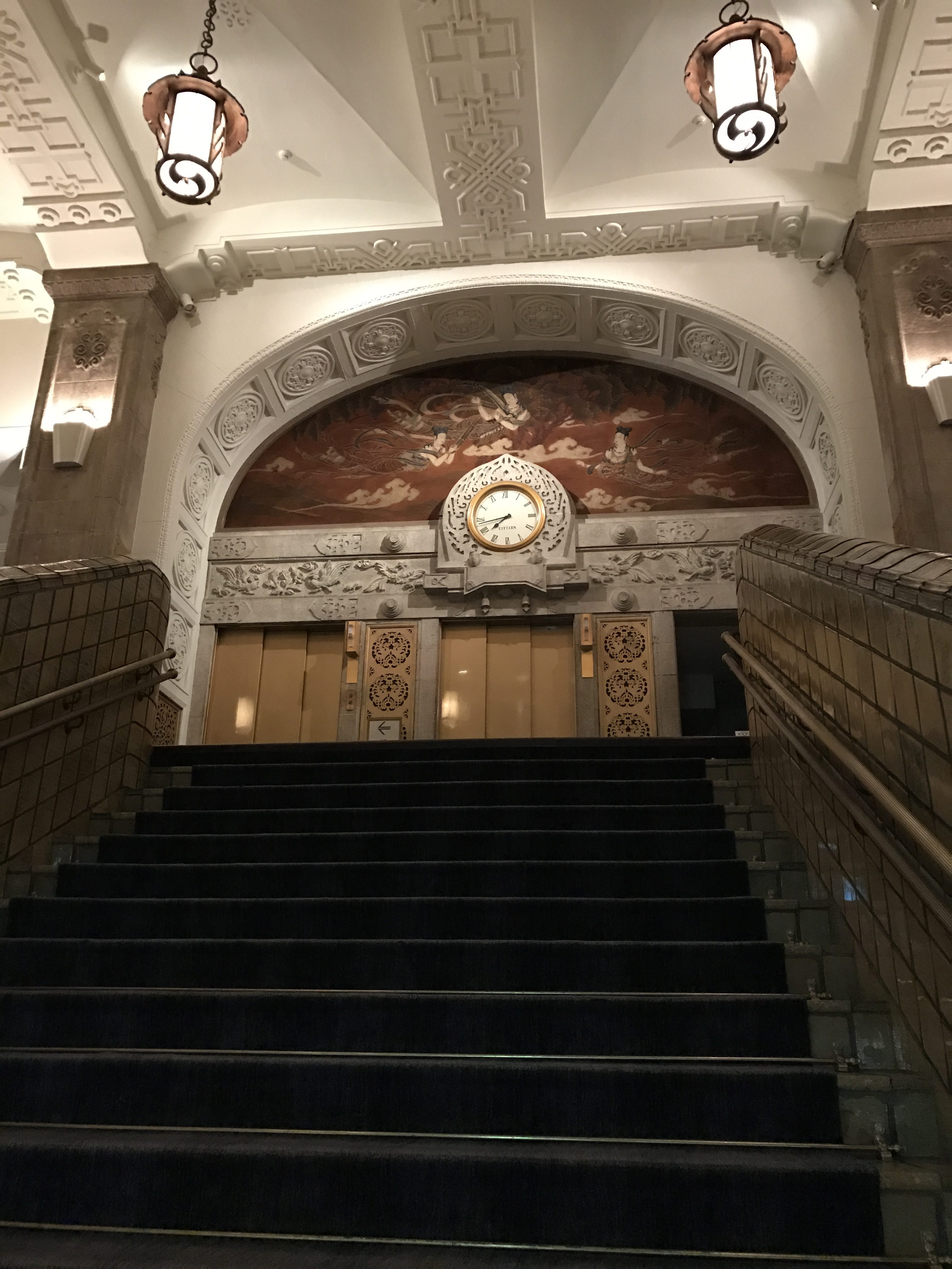 ホテルニューグランド本館大階段