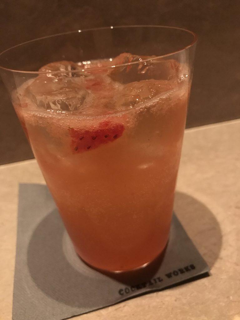 苺のジントニック