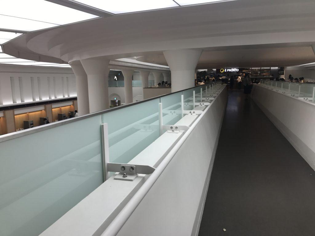 東大本郷食堂廊下