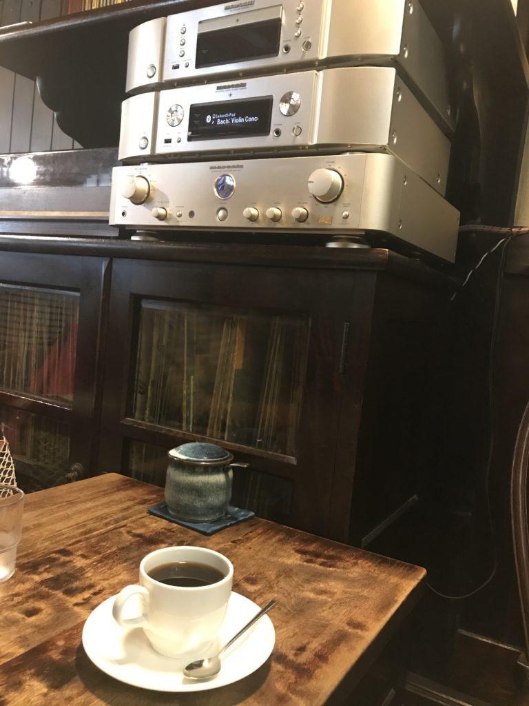 珈琲まるもでホットコーヒー