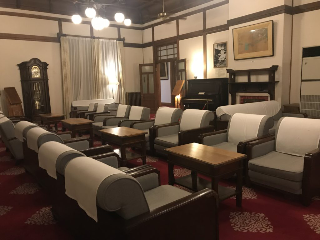 奈良ホテル ロビー「桜の間」