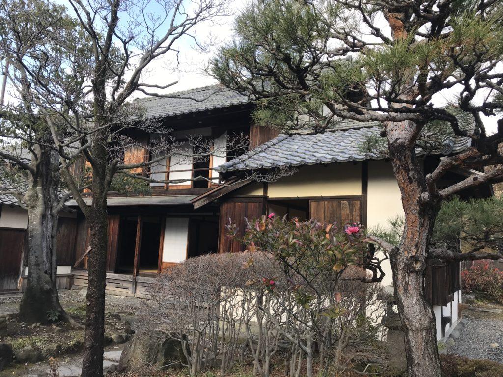 高井鴻山記念館の庭から
